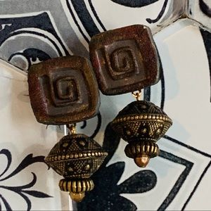 Earrings gold and brown